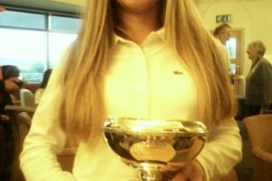 (Castellano) Laura Martin-Portugués se adjudica el North Of England u-14 Championship