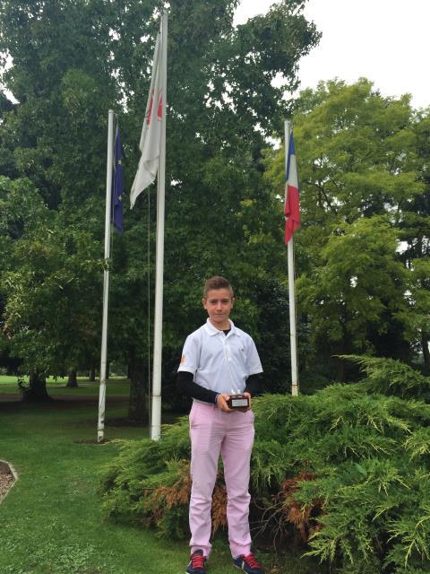 (Castellano) Tommy Artigas se proclama campeón en el Open de Francia de Pitch y Putt