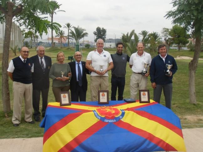 """(Castellano) La Escuela de Golf Elche acoge el """"Campeonato Internacional Senior de Pitch & Putt 2015″."""