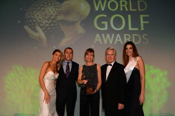 (Castellano) LAS COLINAS GOLF & COUNTRY CLUB ELEGIDO MEJOR CAMPO DE GOLF DE ESPAÑA en los World Golf Awards™.