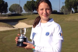 (Castellano) Dimana Viudes 4ª, Belen Amoros 10ª en el Campeonato de Madrid Absoluto Femenino. Carla Tejedo se impone en el Hcp.