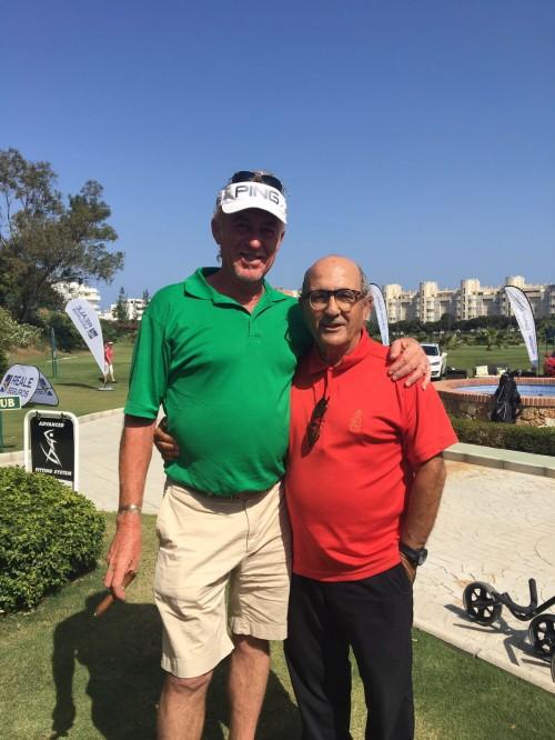 """(Castellano) Acuerdo de colaboración entre la Escuela de Golf Elche y la de Miguel Ángel Jiménez """"Golf Academy"""" de Torremolinos."""