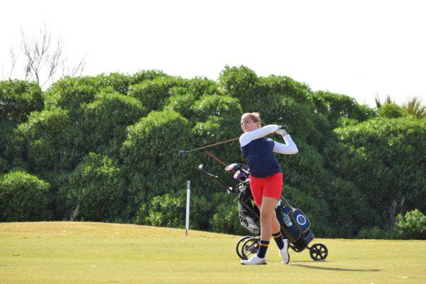 Carla Tejedo, en el equipo español que luchó por la victoria en el Match Cuadrangular Femenino de Costa Ballena Golf.